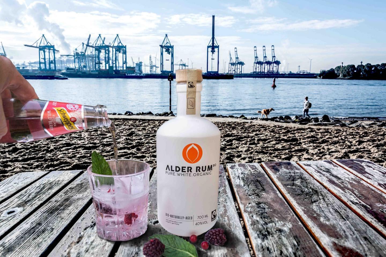 Alder Rum weisse Flasche EDEKA Woytke in Hamburg
