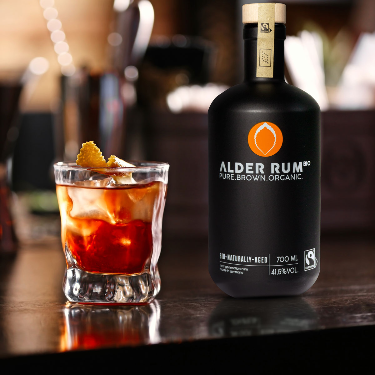 Alder Rum schwarze Flasche EDEKA Woytke in Hamburg
